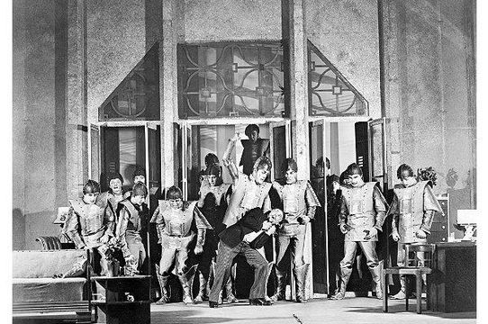 Robot Rebellion scene from R.U.R. (Rossum's Universal Robots), 1928–1929. © Billy Rose Theatre Division, The New York Public Library for the Performing Arts, Astor, Lenox and Tilden Foundations.