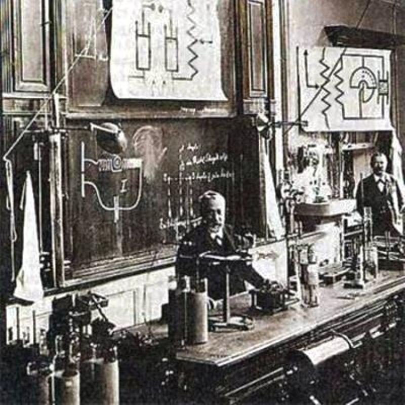 Ferdinand Braun (1850 –1918) discovered the semiconductor diode in 1874