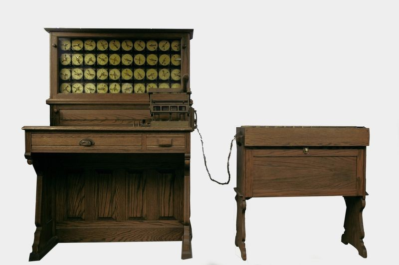 Hollerith Electric Tabulating System (replica), 1890 (replica: 1981) in Revolution: The First 2000 Years of Computing. Collection of the Computer History Museum, XD231.81/Photo: © Mark Richards.