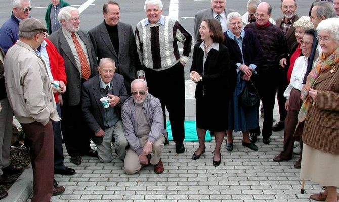 Harry (center) with Stanford Professor James Gibbons (left), Mountain View Mayor Rosemary Stacek and Mrs. Shockley with Jacques Beaudouin (right) at the unveiling of the Shockley Semiconductor Lab plaque in Mountain View, CA, 2002. Photo: Courtesy Jacques Beaudouin.