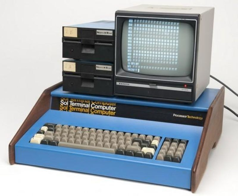 Early computer kits included the Processor Technology Sol-20 with two floppy disk drives and a video display.