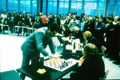 Garry Kasparov playing in a simultaneous tournament at the 1991 CeBIT show in Hanover, Germany