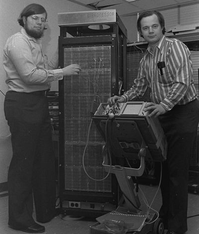 Richard Greenblatt and Thomas Knight with the CADR LISP Machine at MIT