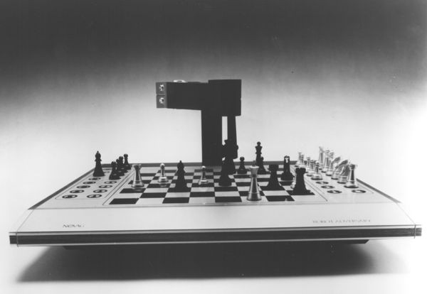 Novag Robot Adversary computer chess board