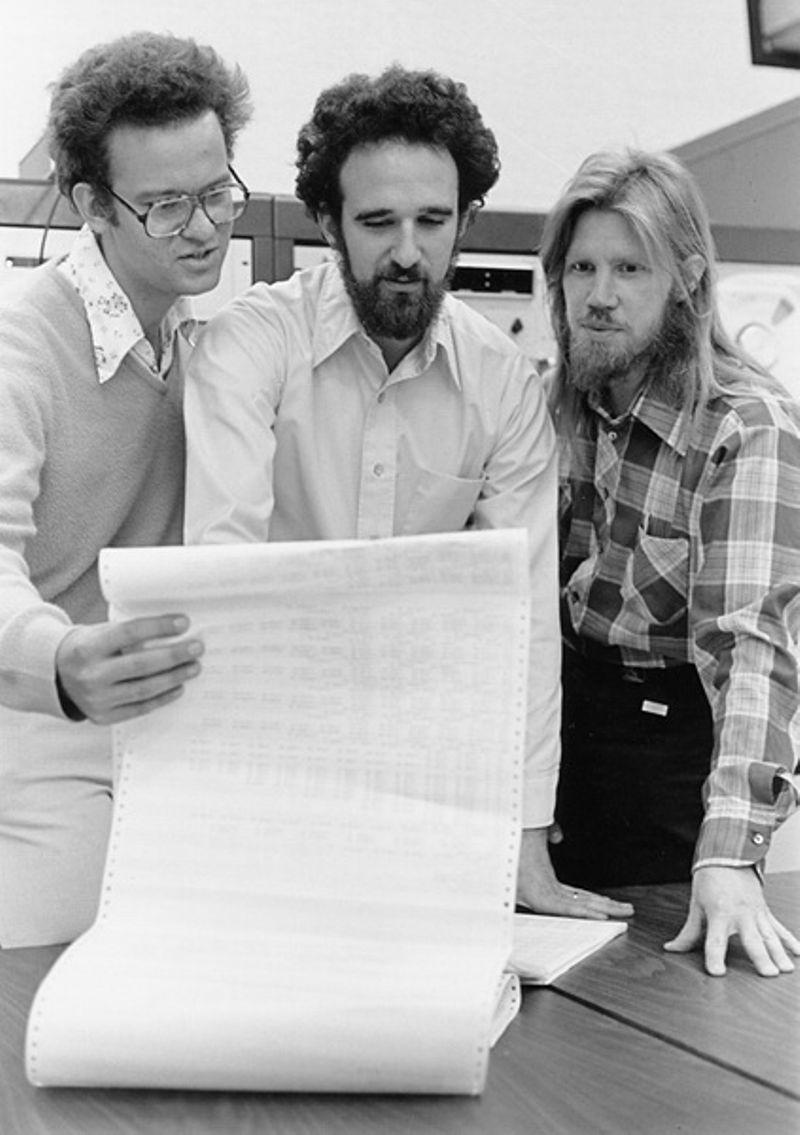 Merkle, Hellman, and Diffi e, 1977