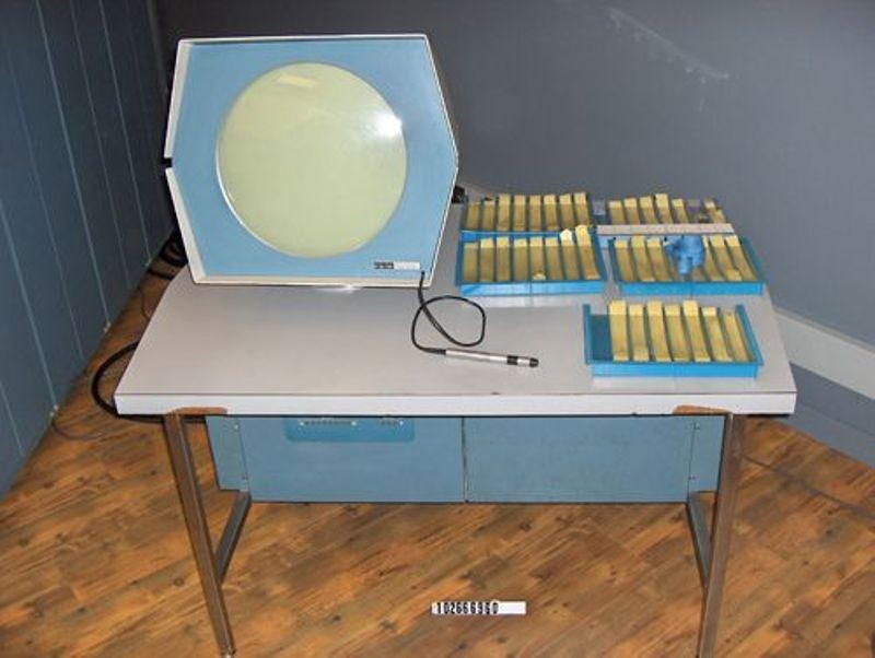 PDP-1 display unit