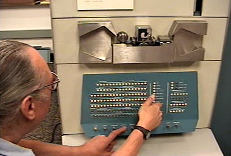 DEC PDP-1 powerup as part of the PDP-1 restoration project during the Computer History Museum PDP-1 restoration project