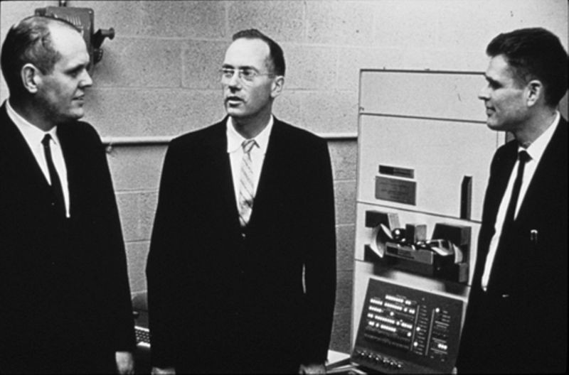 Ken Olsen and Harlan Anderson in front of PDP-1 computer