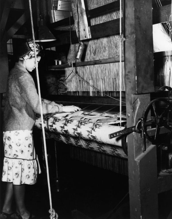 Woman working with Jacquard loom - CHM Revolution