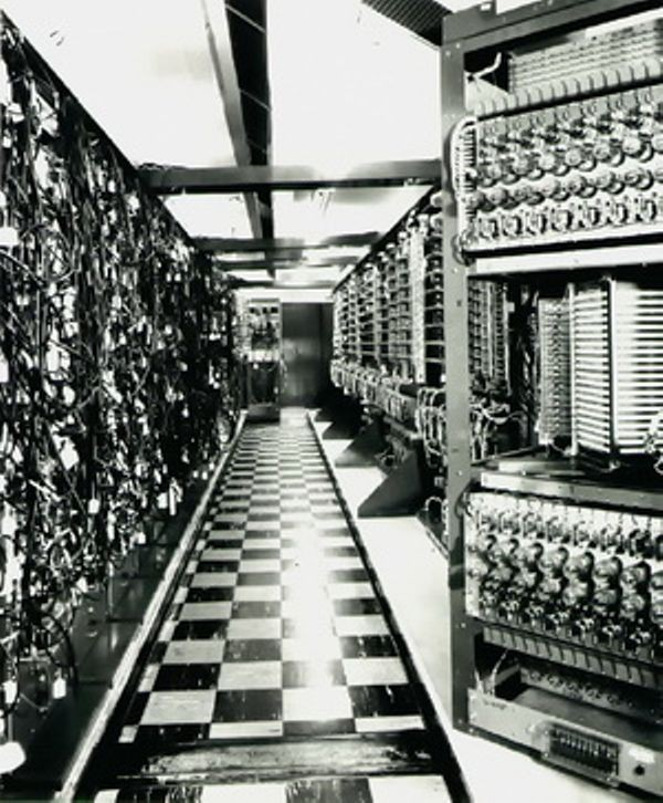 Whirlwind, the first real-time, parallel-processing computer with core memory