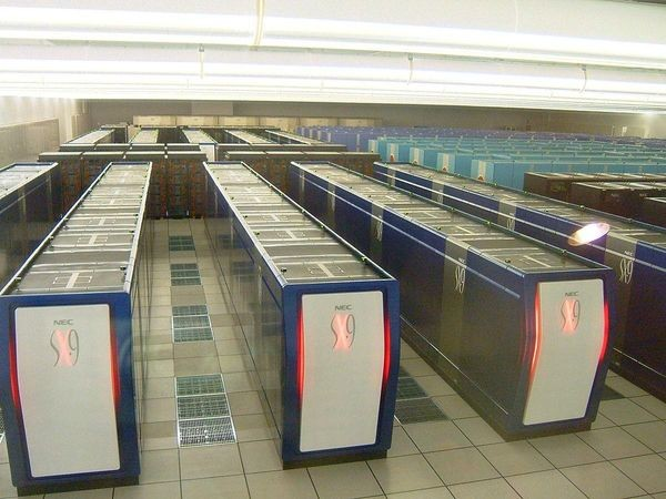 Japanese Supercomputing Competes with Cray