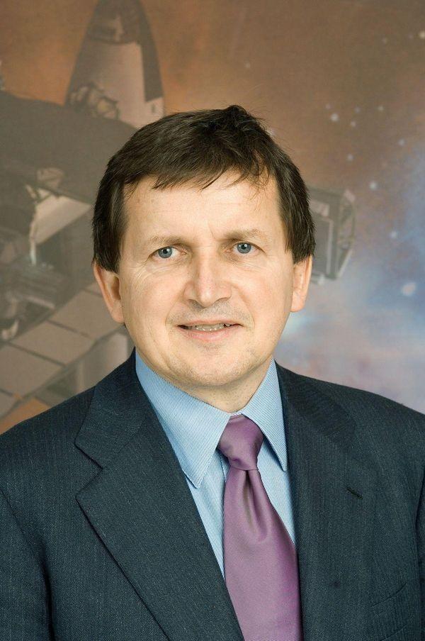 Microsoft Word Chief Architect Simonyi Born