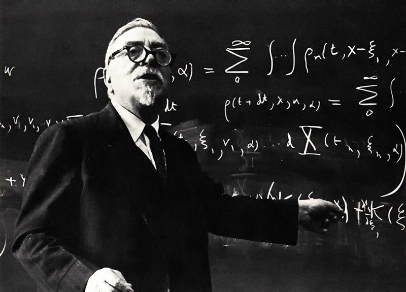 Norbert Wiener, publica el libro Cibérnetica