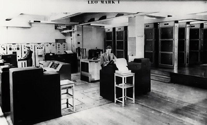 "<h2 class=""title"">J. Lyons & Company introduce LEO-1</h2>"