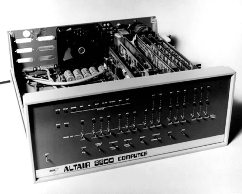 "<h2 class=""title"">MITS Altair 8800 kit appears in <em>Popular Electronics</em></h2>"