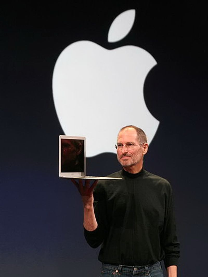 "<h2 class=""title"">The MacBook Air is released</h2>"