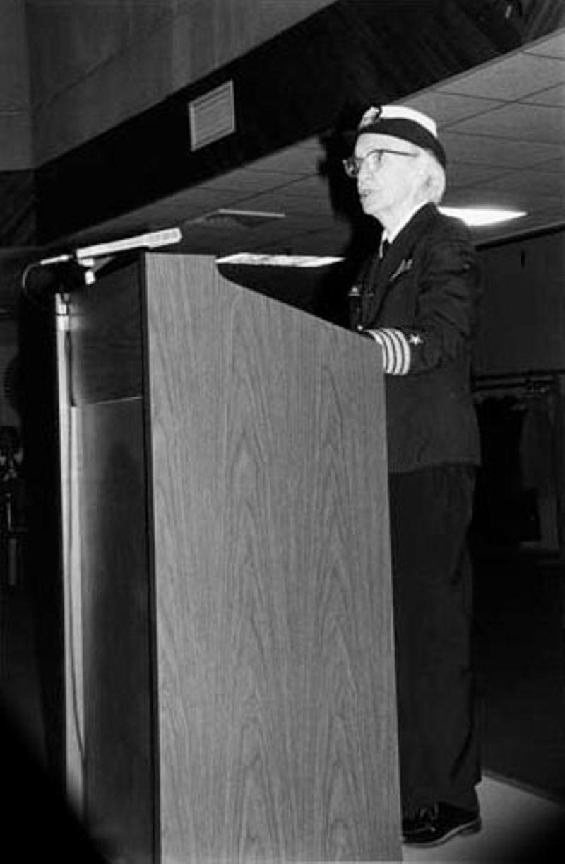 Grace Hopper hablando en el Museo de la Computación en Boston