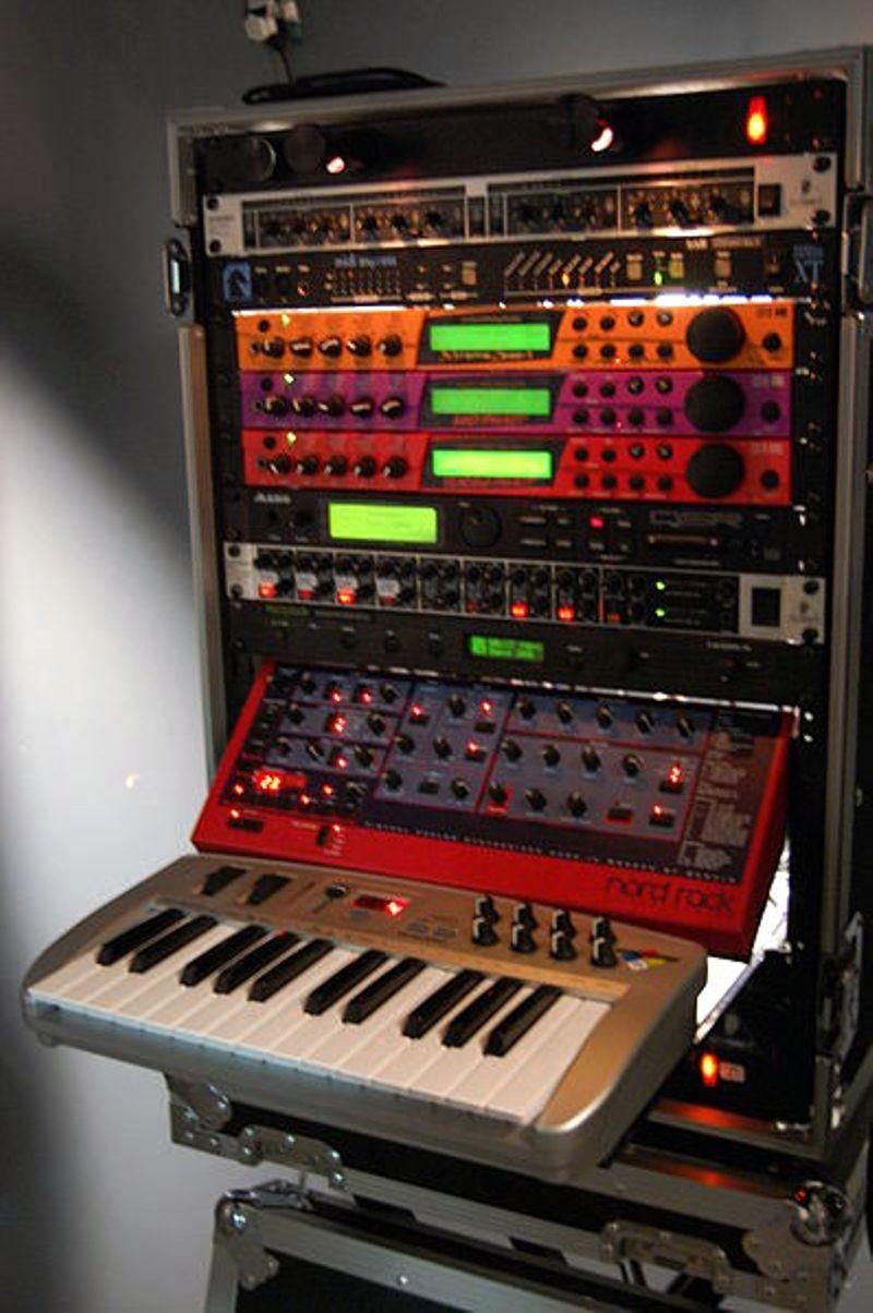 "<h2 class=""title"">MIDI and <em>The Age of Intelligent Machines</em></h2>"